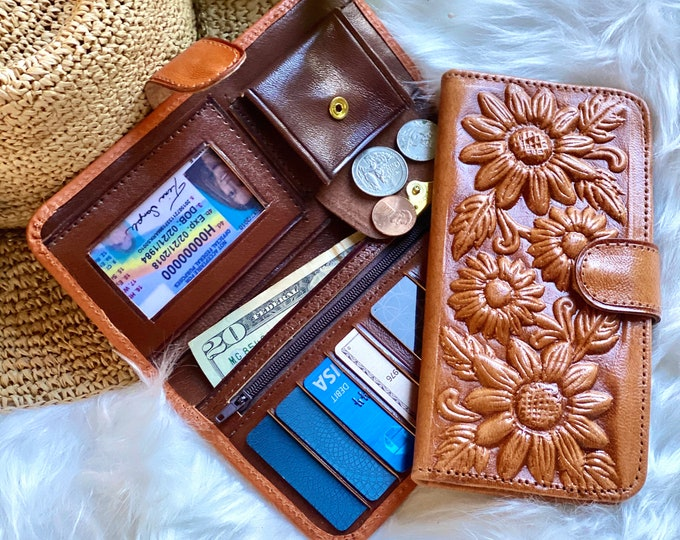 Handcrafted Sunflowers Leather Wallets for Woman - Gifts for her - Bohemian wallet - gift for mom- woman wallet - woman purse