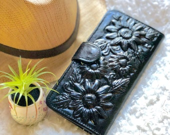 Handcrafted Sunflowers Leather Wallets for Woman - Gifts for her - Bohemian wallets - wallet for woman