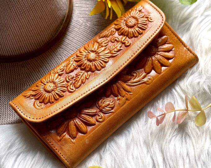 Handmade Sunflowers Leather wallets for women • Gifts for her
