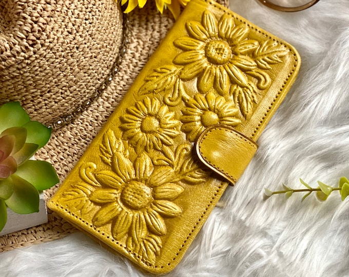 Handcrafted Sunflowers Leather wallets for women - Gifts for her - Boho wallet - gift for mom- wallet women - women's wallet