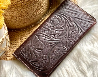 Handmade carved leather woman wallet - Leather wallets for women - Gift for her - Wallet woman leather - Credit cards wallet