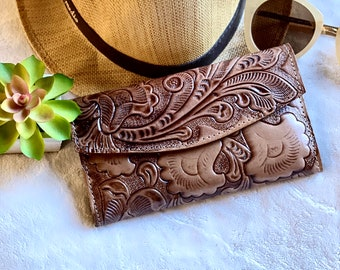 Handmade leather woman wallet -Lilies wallet - floral wallet woman - Leather wallet women's- gifts for her- wallets for her