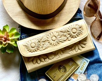 Handcrafted Sunflowers leather women wallet, leather woman wallets, wallets for woman, sunflower gift, gift for her