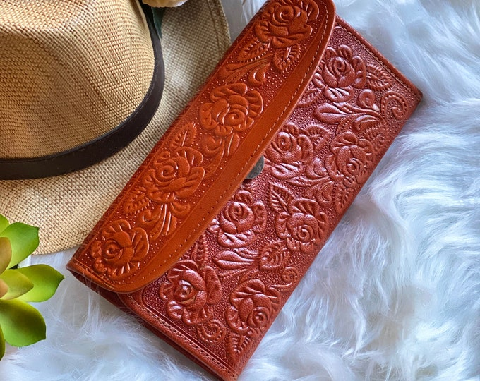 Leather woman wallet  • wallet women • gift for her • woman purse