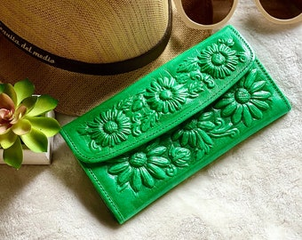 Green leather women's wallet card-  Sunflowers gift - Leather Wallet- Tooled leather Wallet-  Yellow Wallet leather- gifts for her