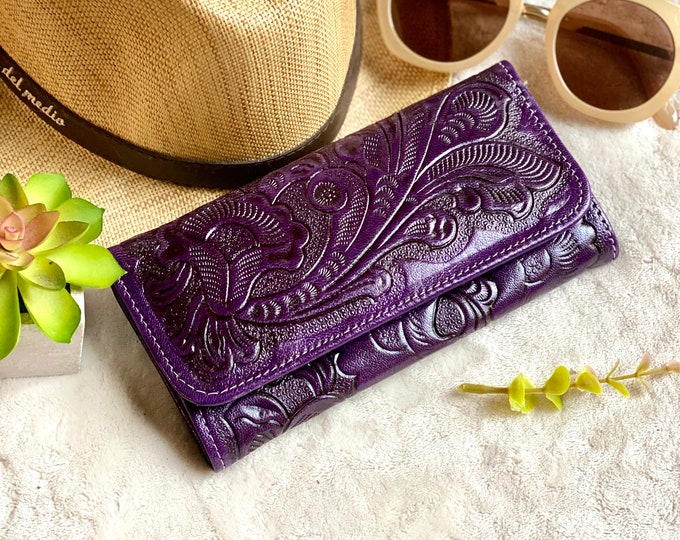 Handcrafted leather woman wallet - handmade wallets for women - credit cards purse - Lilies woman wallet - mother's day gift