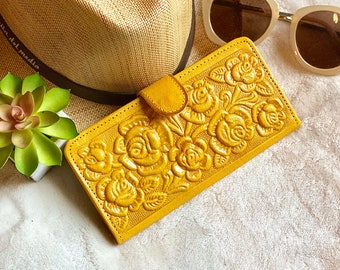 Leather handmade women bifold wallet- yellow roses woman wallet - gifts for her - woman purse - credit card money wallet - floral -
