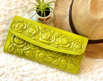 wallet leather woman - roses wallets - gifts for her - gifts for mom - handmade leather wallet