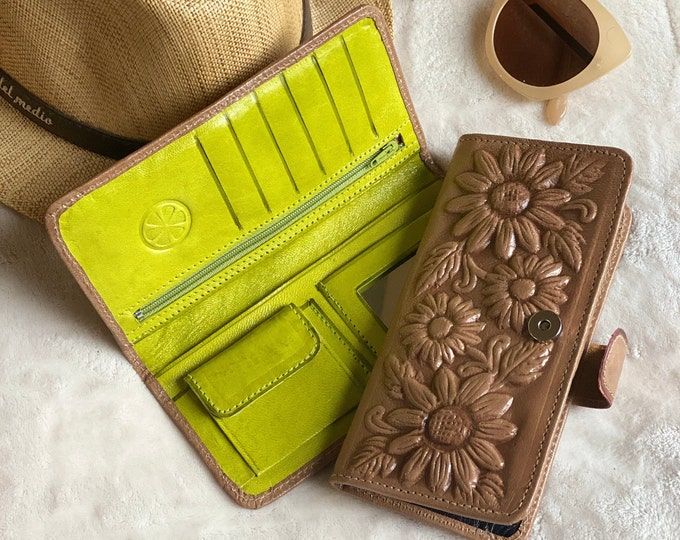 Sunflowers leather wallet - Sunflowers gift - Bohemian wallet- Handmade woman wallet-  sunflower gift