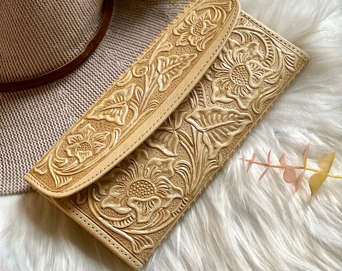 Handcrafted Beige wallets for women - Handmade wallet woman - Christmas gifts for her - Handmade gifts