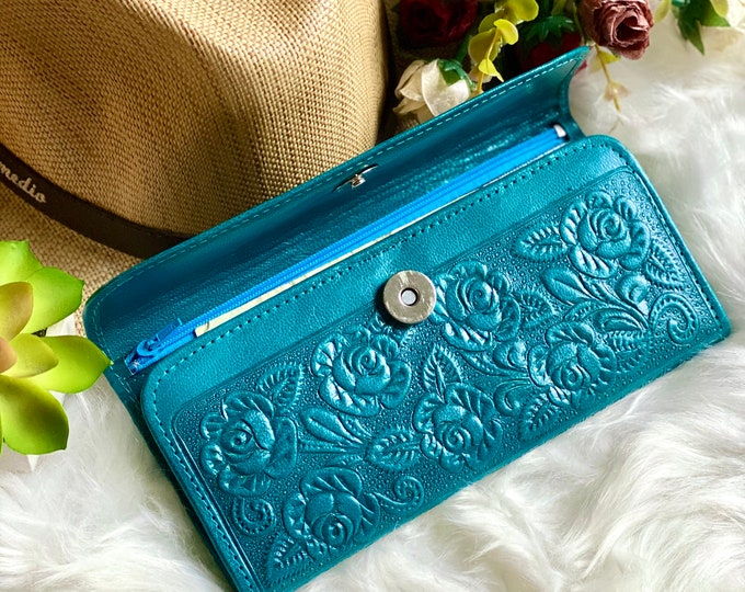 Handmade embossed wallets for women -Leather woman wallet -wallet women -gift for her -woman purse -Turquoise- wallet- Woman purse