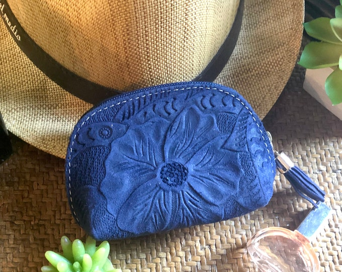 gift for women- Small leather pouch - Small cosmetic bag - zippered pouch