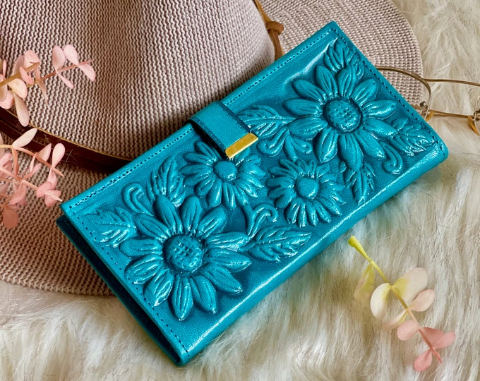 Sustainable leather women's wallets • Boho wallets • Gifts for women