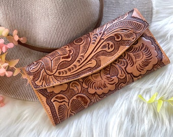 Handmade carved leather woman wallet - leather wallet - Gift for wife - Gift for her - Wallet woman leather - Credit cards wallet