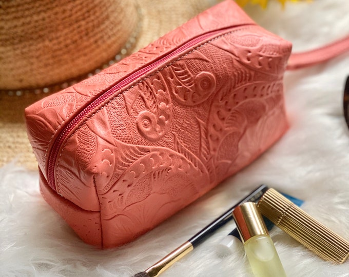 Handcrafted Leather Cosmetic Bag - Make up Bag- Leather Bag, Handmade Leather Makeup Bag - gifts for her