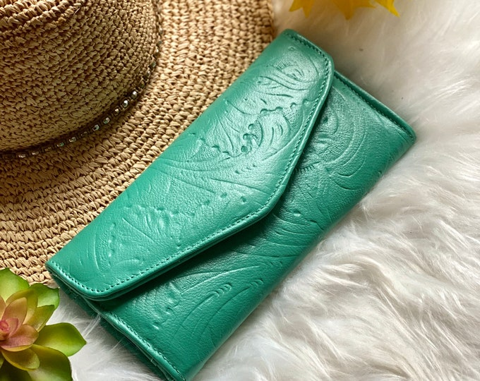 Handcrafted wallets for women - leather wallets - woman wallet - floral - gifts for her -Green wallets
