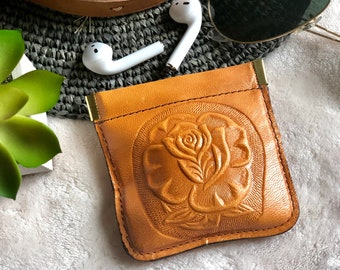 Leather Squeeze pouch