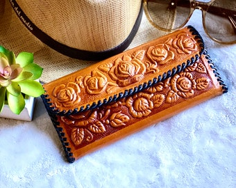 leather woman wallet- Western wallet - Bohemian wallet - Trifold leather wallet - Cowgirl style wallet - Gifts for her