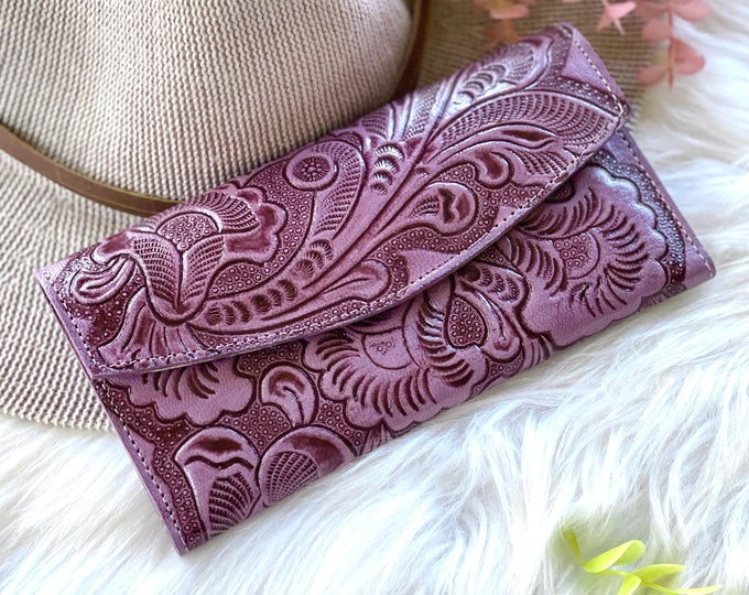 Handmade carved leather woman wallet • woman leather wallet • Gifts for her