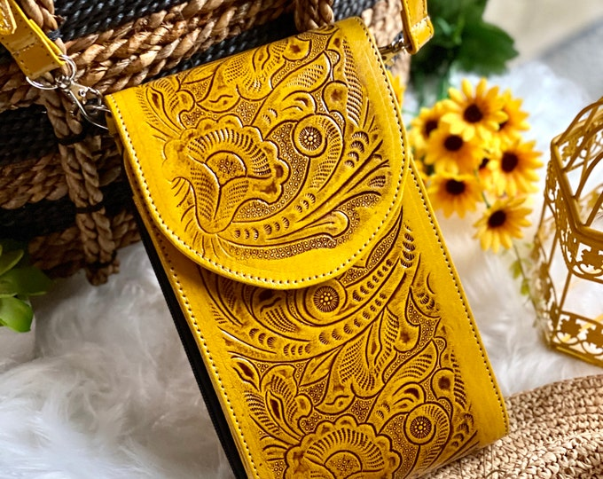Yellow leather crossbody purse - Handcrafted crossbody - Crossbody Bag - Leather Bag - Boho Crossbody - Gifts for her