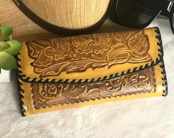 Western wallet- Leather Wallets for Women- Handmade leather wallet - Cowgirl style - Bohemian wallet- Gift for women