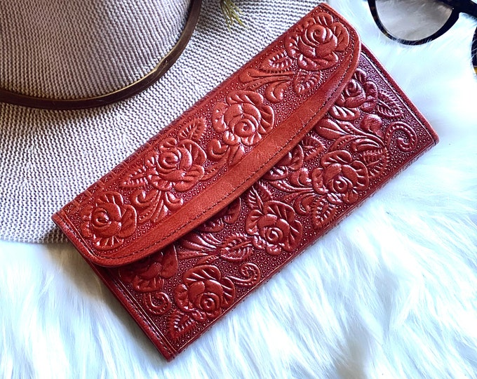 Handmade embossed wallets for women -Leather woman wallet -wallet women -gift for her -woman purse - wallet- woman purse