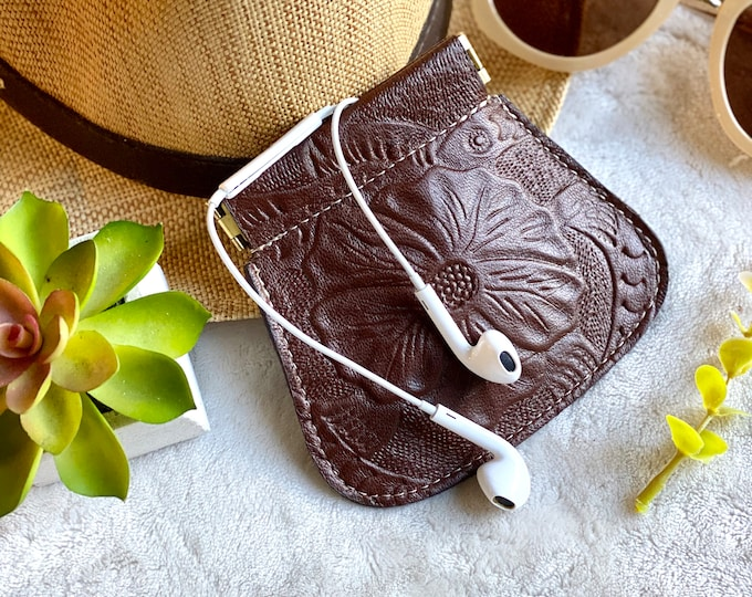 Bohemian Squeeze Coin Purse- coin pouch- Small leather pouch- Leather gift for woman