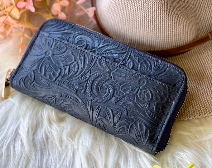 Handmade leather women's wallets • gifts for her • zippered wallet