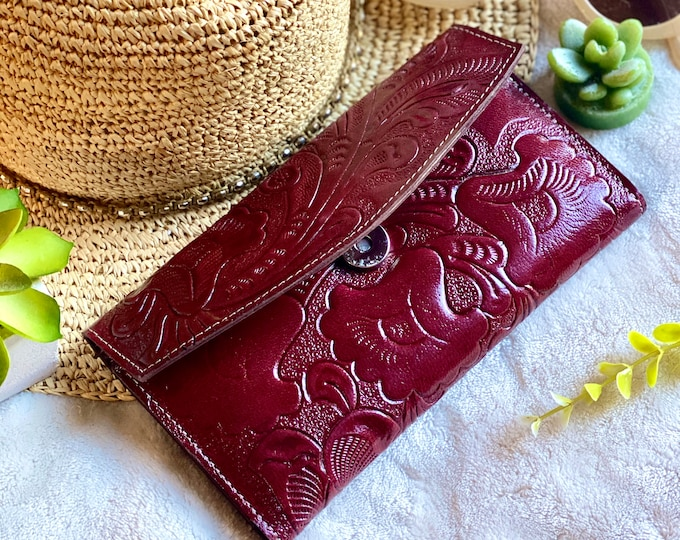 Handcrafted Wallet Woman -Leather wallets for women -gifts for her -floral wallets -carved leather wallet -handmade gifts -leather wallet