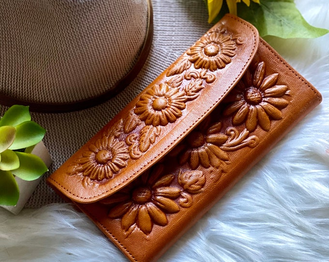 Woman Leather Wallet- Gift for girlfriend- Woman Wallet Leather- Sunflowers gift - Christmas gift for her