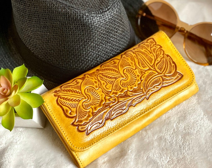 Handcrafted Leather Woman Wallets - Ethnic Leather Wallets-  Women's wallets