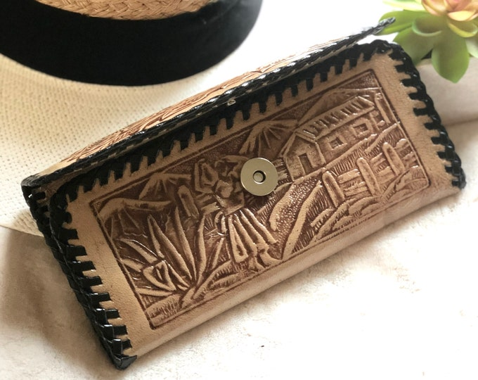Woman leather wallet*Tooled wallet*woman wallet*wallet for woman*Handmade leather tooled*ethnic*modern hippie*friend birthday gift