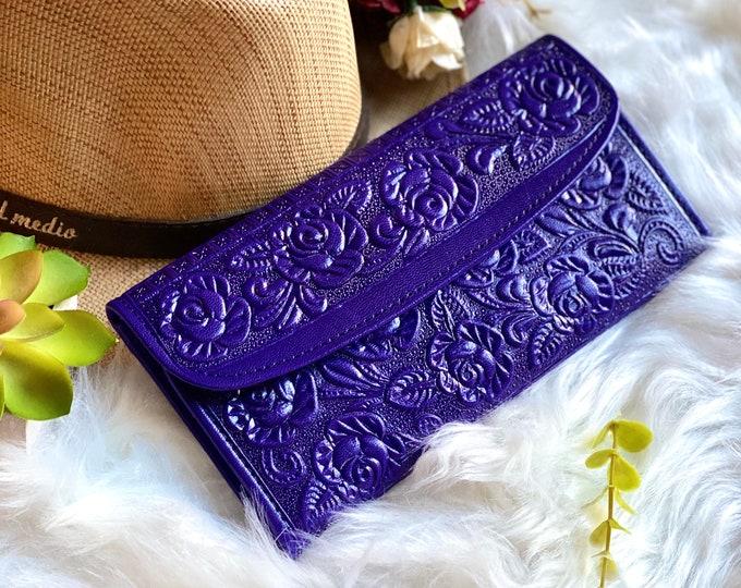 Purple Embossed leather wallets for women Leather woman wallet -wallet women -Birthday gift -woman purse - Woman purse - Roses Wallets