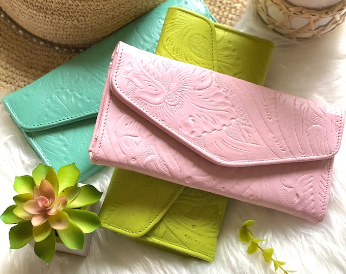 Handmade carved leather woman wallet -leather wallet - Gift for wife - Gift for her - Wallet woman leather - Credit cards wallet