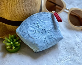 Woman leather pouch-  Floral coin purse -  small makeup bag - Change purse