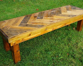Charmant Rustic Garden Bench Using Reclaimed Materials U0026 Pallets With Herringbone  Pattern. Outdoor Bench. Garden Table.