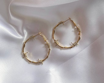 Small / medium gold barbed wire hoop earrings • Golden coloured barbed wire hoops