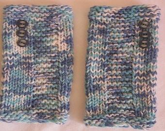 Fingerless gloves blue mottled with blue buttons