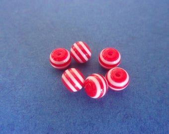 Round red and white striped resin bead - 6mm