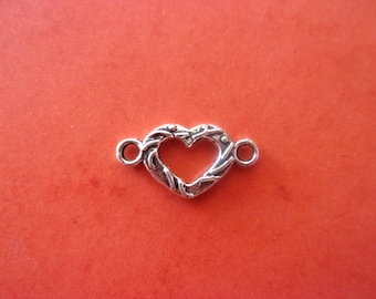 Connector in the shape of little heart in antique silver - 1 cm