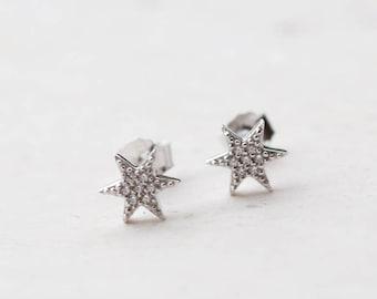 Sterling silver studs, silver stud earrings, star studs, tiny stud earrings, small stud earrings, E085