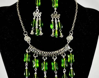Vintage Antiqued Silver Tone and Green Glass Hammered Festoon Statement Necklace and Earring Set Swag Necklace Victorian Style Art Deco