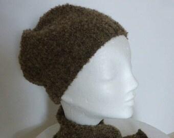 18285512a04 béret bonnet et écharpe laine bouclette marron léger et chaud