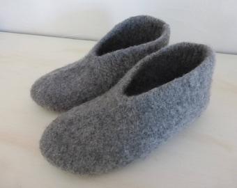 Felted wool slippers size 40/41 medium grey