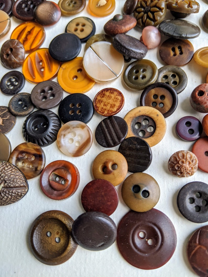 Brown Button Lot Vegetable Ivory Nut Bakelight Celluloid Wood Buttons