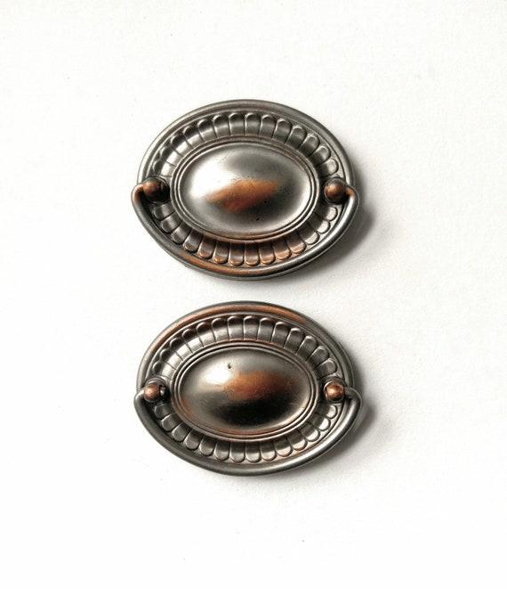 Vintage NOS Federal HeppleWhite oval brass drawer ring pull