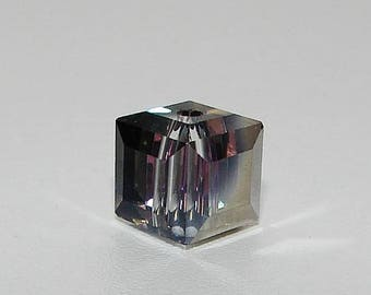 "Crystal cube faceted 10.00 mm, gray ""Violet"". (8847606)"