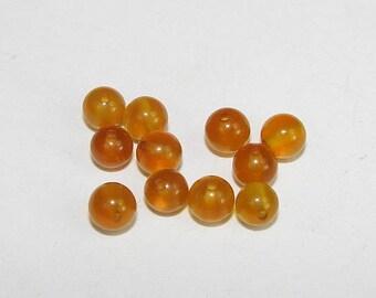 Yellow agate 4.00 mm in diameter. Semi-precious stones. (7625724)