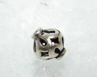 184 - Silver bead ball 7.65 mm, hole Teardrop.  Sterling Silver. (6476681)