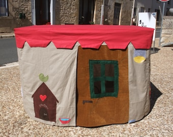 Child - themed table tent: the farm
